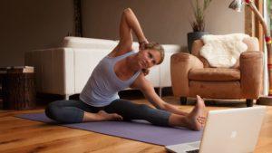 lav yoga hjemme med yoga ovelser for begyndere