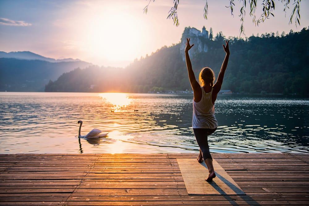 Derfor skal du tage på et yogaophold