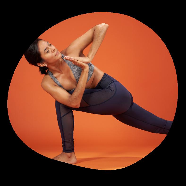 Drejet stående sidestræk yogaøvelse